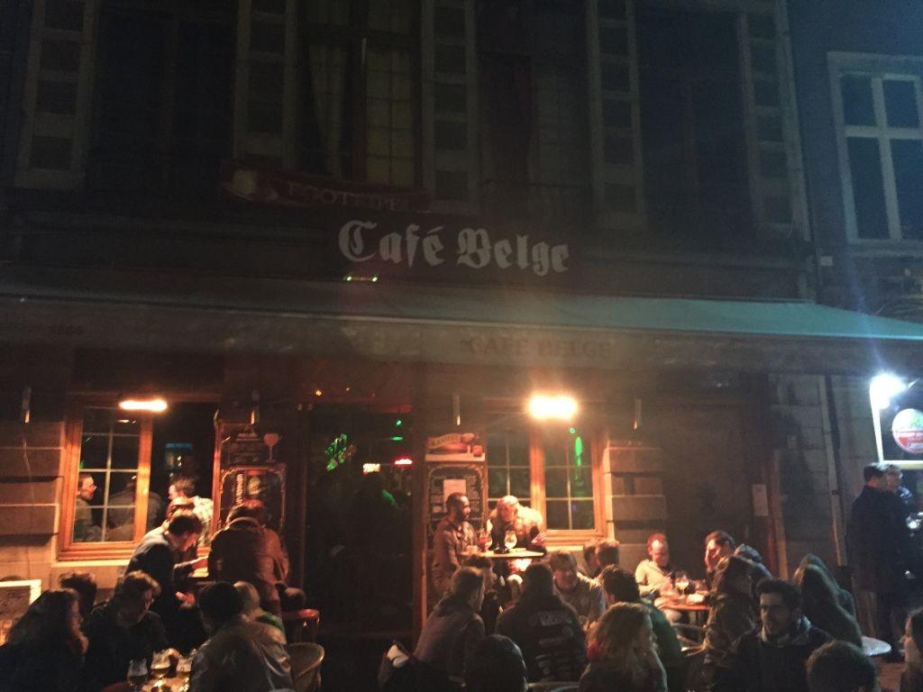Exterior Café Bege Café Belge, el mejor lugar para tomar una copa con amigos - Exterior Caf   Bege 1024x768 - Café Belge, el mejor lugar para tomar una copa con amigos