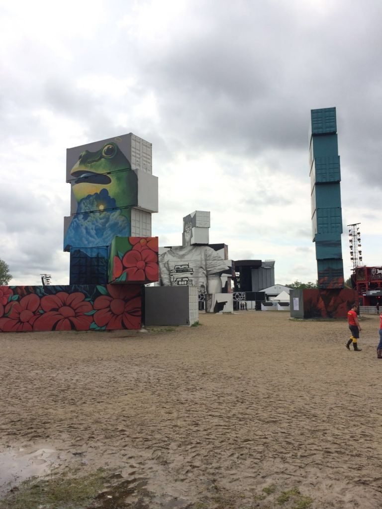 IMG-20160701-WA0006 North West Walls: arte urbano en pleno Rock Werchter - IMG 20160701 WA0006 768x1024 - North West Walls: arte urbano en pleno Rock Werchter