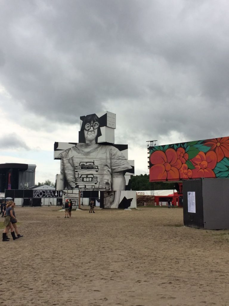 IMG-20160701-WA0008 North West Walls: arte urbano en pleno Rock Werchter - IMG 20160701 WA0008 768x1024 - North West Walls: arte urbano en pleno Rock Werchter