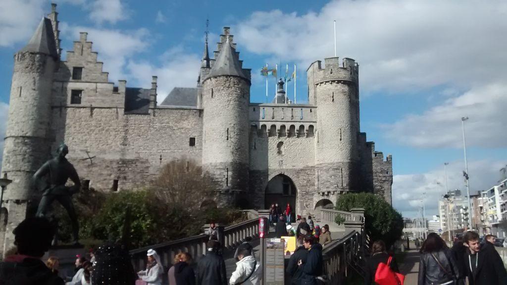 IMG_20150404_165411752 recuerdos españoles en flandes (ii): amberes y sus escudos - IMG 20150404 165411752 1024x575 - Recuerdos Españoles en Flandes (II): Amberes y sus escudos