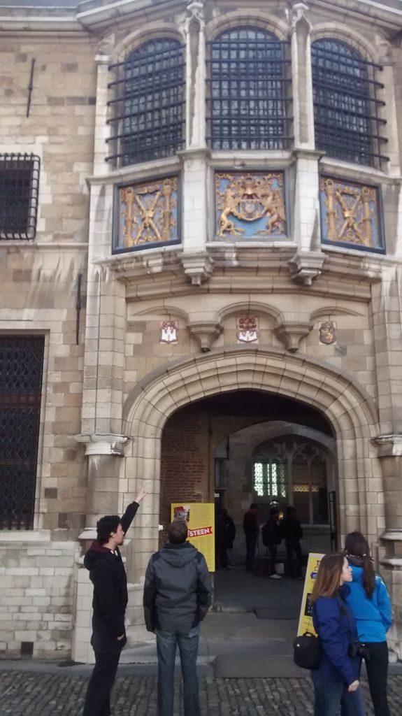 IMG_20150404_165552621 recuerdos españoles en flandes (ii): amberes y sus escudos - IMG 20150404 165552621 575x1024 - Recuerdos Españoles en Flandes (II): Amberes y sus escudos