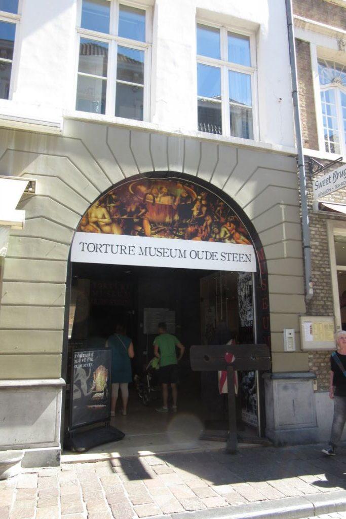 31.07_Bruges (17) (FILEminimizer) De Oude Steen y el museo de la tortura - 31 - De Oude Steen y el museo de la tortura