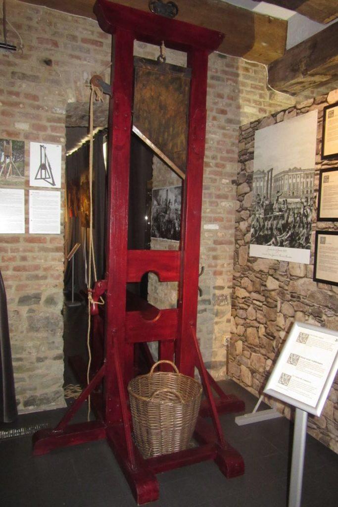 31.07_Bruges (34) (FILEminimizer) De Oude Steen y el museo de la tortura - 31 - De Oude Steen y el museo de la tortura
