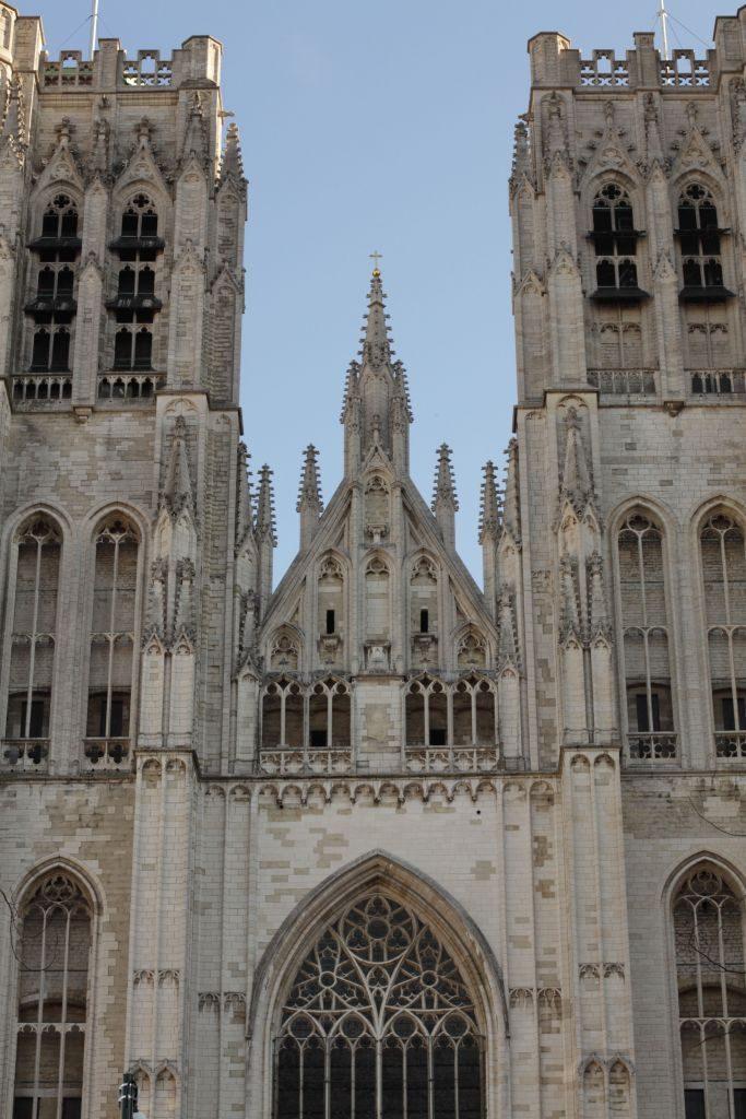 Brux21 La catedral de Bruselas: un tesoro del gótico - Brux21 683x1024 - La catedral de Bruselas: un tesoro del gótico