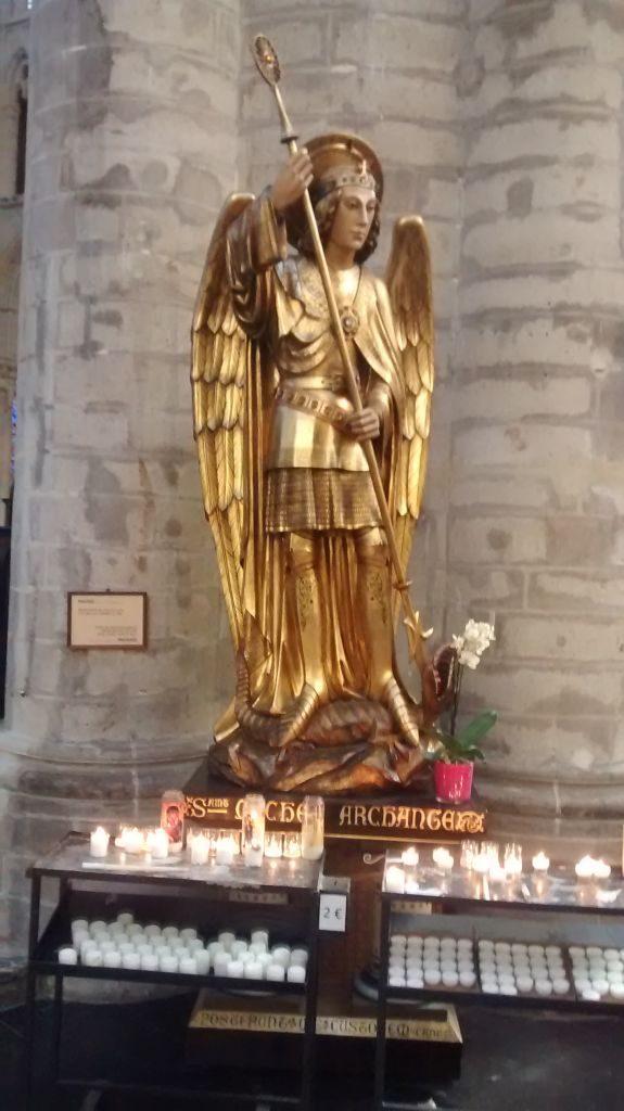 IMG_20141122_120844281 La catedral de Bruselas: un tesoro del gótico - IMG 20141122 120844281 575x1024 - La catedral de Bruselas: un tesoro del gótico
