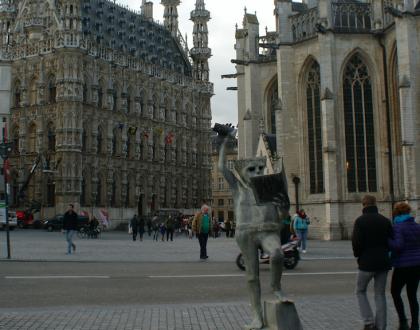 Impresionante Lovaina (IV): Sus estatuas