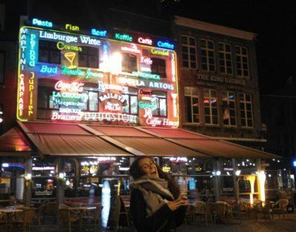 La pareja del Grote Markt en Hasselt