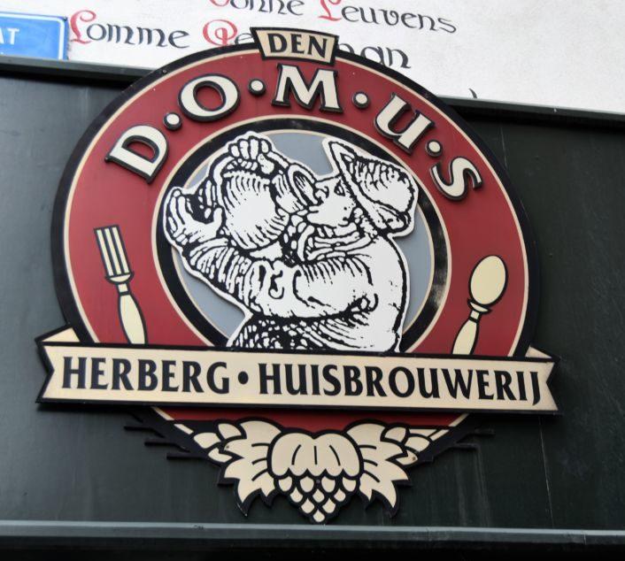 Domus: cerveza artesanal y comida típica belga