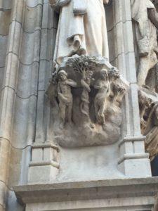 [object object] - pedestal adan y eva 225x300 - El ayuntamiento, el orgullo de Lovaina (I)