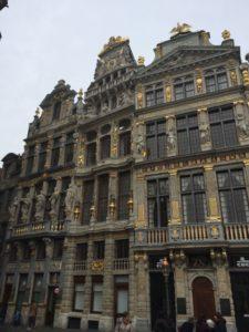- comercios grand place 225x300 - Visita a Bruselas (I)
