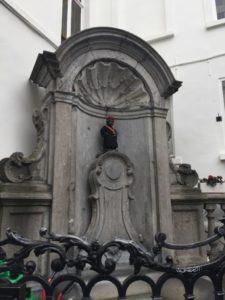 - manneken pis 225x300 - Visita a Bruselas (II)- Manneken Pis