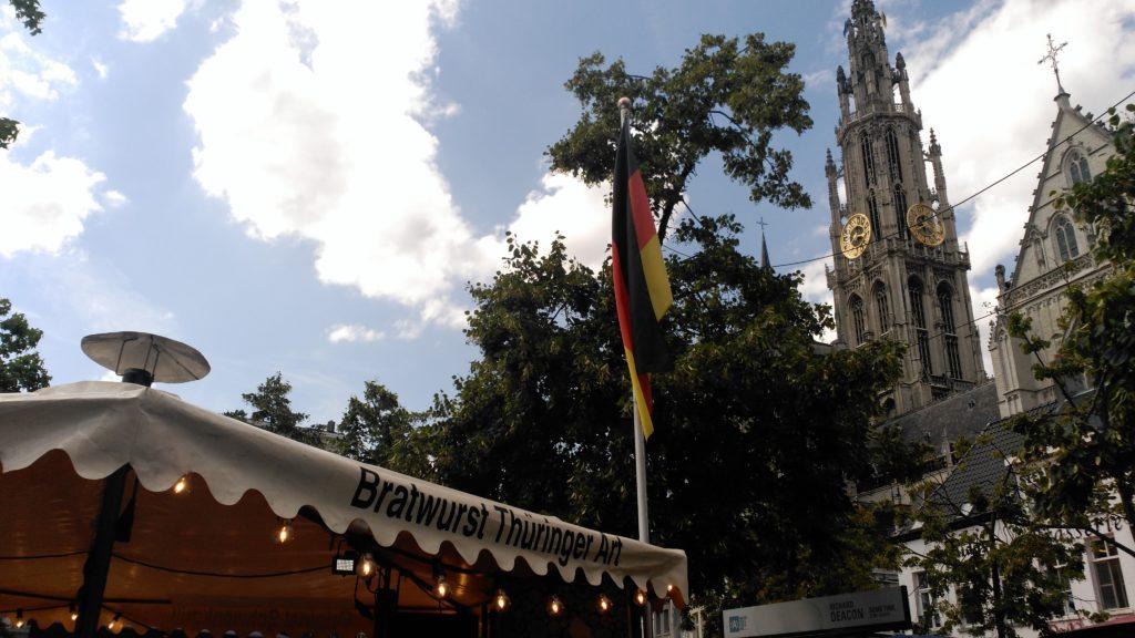 mezcla de culturas en groenplaats - IMG 20170721 153959 1 - Mezcla de culturas en Groenplaats
