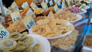 Puesto de Dulces act like a local (i): mercado en fin de semana - IMG 20170722 101724 300x169 - Act like a local (I): Mercado en fin de semana