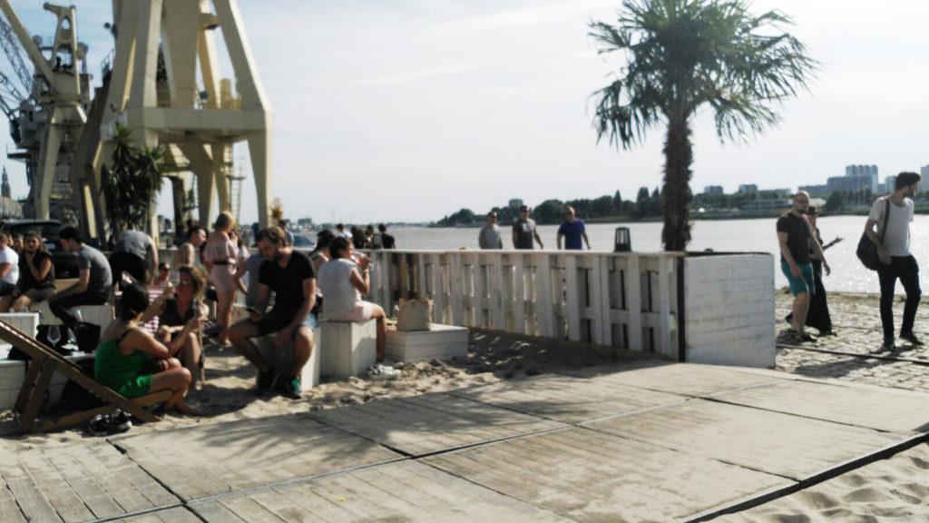 Playa chiringuito playero a orillas del escalda - 1 2 1024x576 - Chiringuito playero a orillas del Escalda