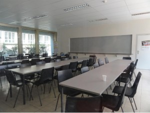 Facultad de Ciencias de la comunicación, Gante - cafeteria4 300x226 - Facultad de Ciencias de la comunicación, Gante